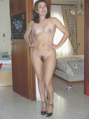 Hanife pantyhose escorts in Hannibal, MO